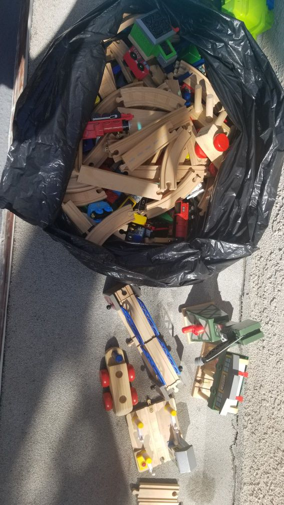 Thomas and friends collective cars and roads