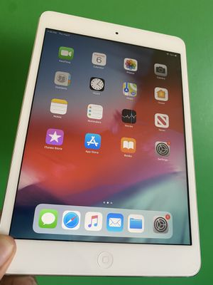 32GB Apple Ipad Mini 2 (Retina Display/ 2 HD camera / IOS 12) with full pack complete Accessories for Sale in El Monte, CA