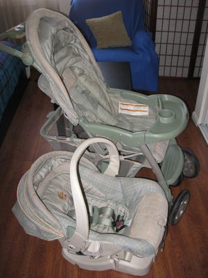 SAFETY 1ST Green Teal Baby Stroller and Infant /Baby Car Seat with a huge storage for Sale in Los Angeles, CA