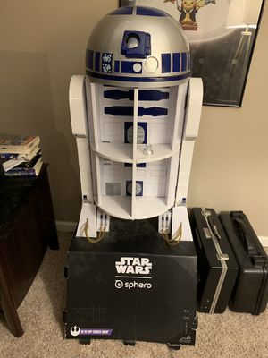 Giant R2-D2 Store Display for Sale in Cleveland, OH