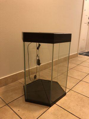Used Top Fin Hexagonal fish tank for Sale in Miami, FL