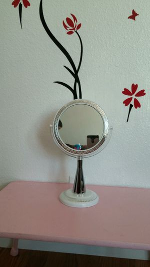 Double Sided Vanity Makeup mirror with 1x/10x Magnification for Sale in Los Angeles, CA