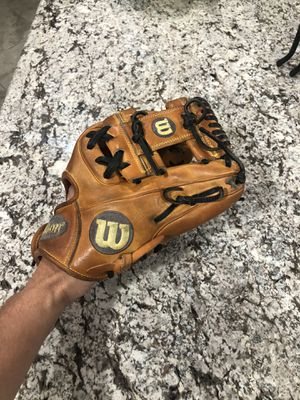 Dp15 Wilson a2000 glove for Sale in Rancho Cucamonga, CA
