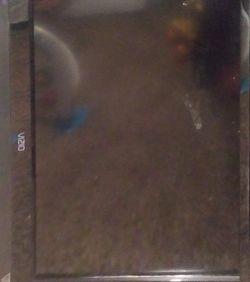 Vizio 32 Inch LCD Screen for Sale in Augusta,  KS