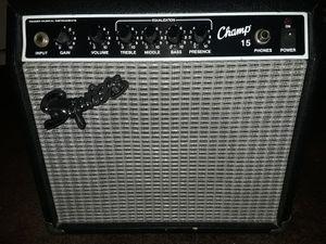 Squier Champ 15 guitar amplifier for Sale in Pomona, CA