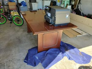 Free Desk for Sale in Port St. Lucie, FL