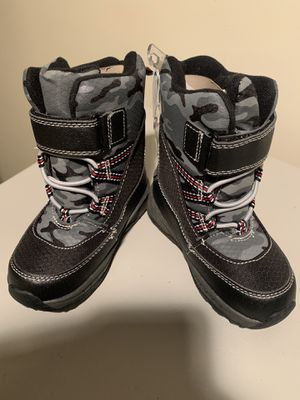 BRAND NEW - Carters Toddler Boy Snow Boots - Size 8 for Sale in North Massapequa, NY