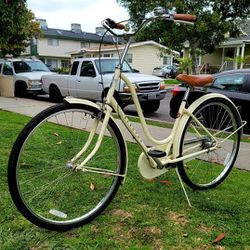 "Electra ""Amsterdam 3i"" 3 Speed Beach Cruiser Bike GOOD CONDITIONS!!! for Sale in Whittier,  CA"