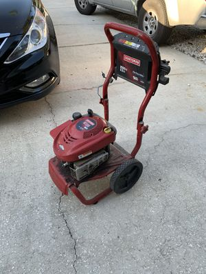 Craftsman 2550 psi pressure washer need some tinkering and does not come with a wand or a hose for Sale in Palm Harbor, FL