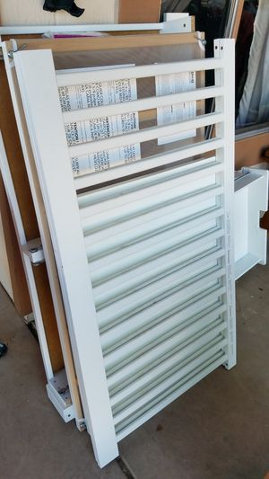 Baby crib with bottom drawers for Sale in Chandler, AZ
