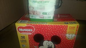 Size 4 Huggies diapers for Sale in Fresno, CA