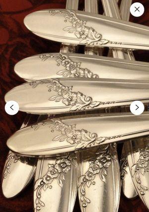 1946 Oneida silverplate 71 piece flatware for Sale in Phoenix, AZ
