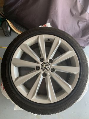 2014 VW golf wheels and tires for Sale in Pompano Beach, FL