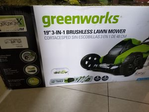 Brand new Greenworks 19 inch cordless 40v lawn mower for Sale in Miami, FL