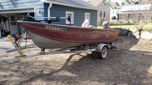 Alumacraft big fisherman boat and trailer trolling motor for Sale in Rhinelander, WI