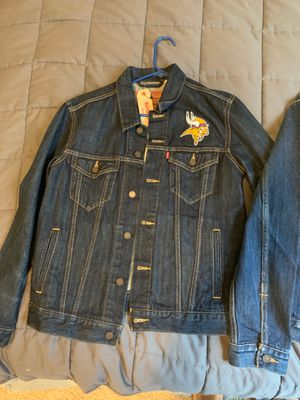 Levi Jean jackets new sz M for Sale in Conyers, GA