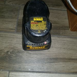 DEWALT CHARGER AND BATTERY for Sale in Las Vegas, NV