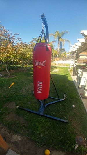 Punching bag with speed bag for Sale in Murrieta, CA