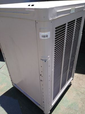Swamp cooler portable like new condition Como nuevo for Sale in Fontana, CA