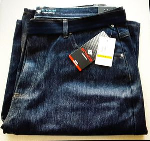 NEW ENYCE MEN'S JEAN SHORTS w/ belt 44 waist for Sale in Whittier, CA