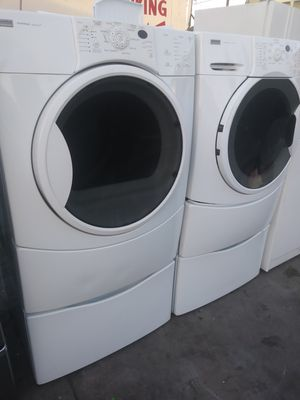 KENMORE WHITE FRONTLOAD WASHER AND DRYER. PEDESTALS for Sale in Whittier, CA