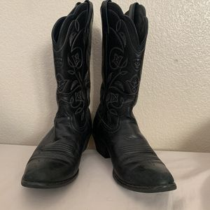 Women's Ariat Boot for Sale in Victorville, CA