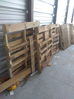 Free 48 x 48 pallets for Sale in Brownsville, TX