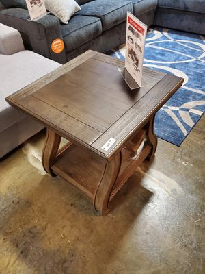 End Table, Brown for Sale in Fountain Valley, CA