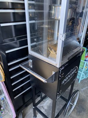 Popcorn machine with bags and bags of popcorn 🍿 $125 for Sale in Hawthorne, CA