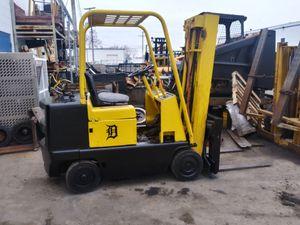 Cat Forklift for Sale in Roseville, MI
