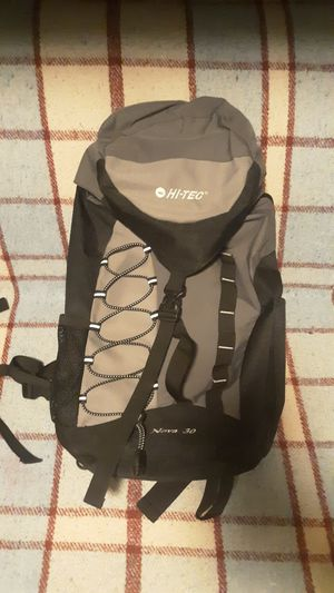 Hi-Tec Nova 30 Hiking Backpack for Sale in Chandler, AZ