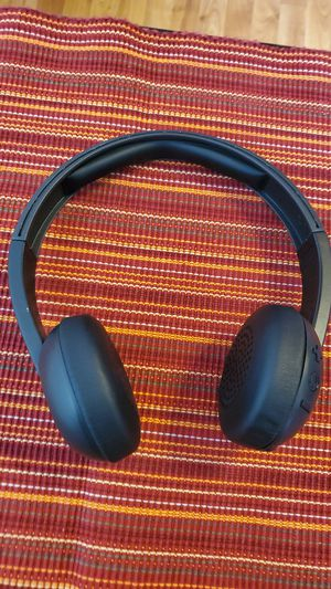 Skull candy Bluetooth headphones black for Sale in El Paso, TX