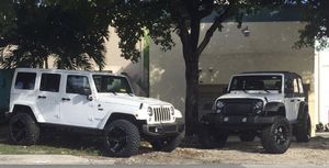 Jeep rims and tires and lift kit suspension parts for Sale in Miami, FL