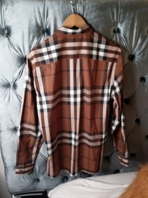 Burberry sz Large (Real Shirt) for Sale in Las Vegas, NV