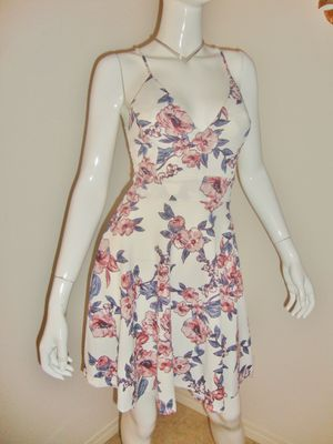 (FREE DELIVERY) beautiful white/pink floral summer dress w/ lack back (size S) for Sale in North Las Vegas, NV