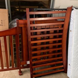 Free Crib To Pick Up for Sale in Berkeley, CA