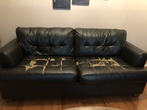Leather couch for Sale in Gaithersburg, MD