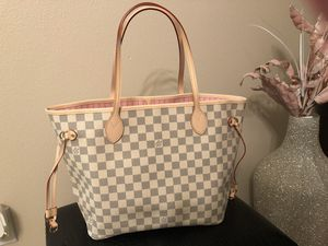 Neverfull MM with Pink Interior for Sale in Tampa, FL