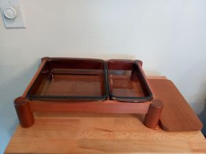PYREX HOLDER with one Wood cover for Sale in Warren, MI