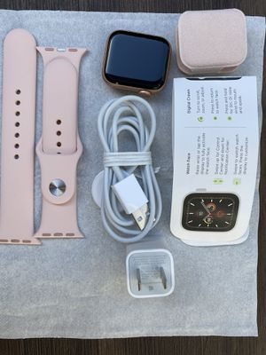 Apple Watch Series 5 Series 5 LTE+Cell 40mm Gold Aluminum - Pink Sand Sport Band for Sale in La Mesa, CA