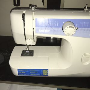 Sewing Machine for Sale in Columbus, OH
