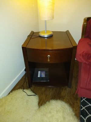 End table or nightstand with drawer for Sale in Tacoma, WA