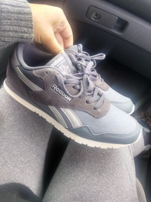 Brand New Reebok $35 size 6 price is negotiable for Sale in Phoenix, AZ