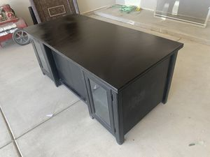 Desk computer black call 492-3535 for Sale in NM, US