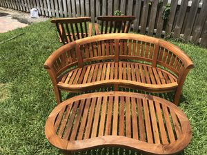 Teak Patio Furniture set (4 chairs, bench and table) for Sale in Pompano Beach, FL