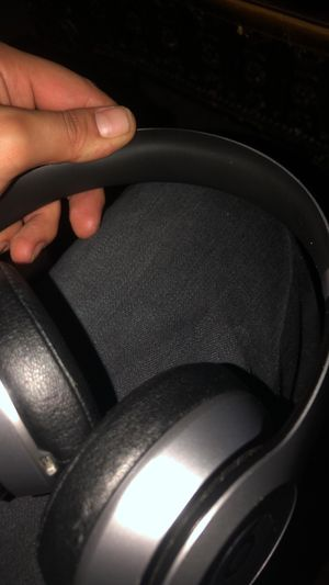 Beats solo wireless for Sale in Salinas, CA