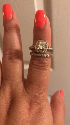 Vera wang love collection engagement and wedding ring for Sale in Tempe, AZ
