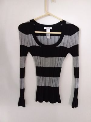 Sweater Lightweight for Sale in McKees Rocks, PA