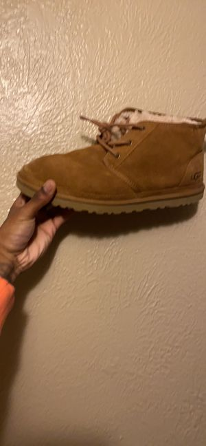Uggs wheat men's size 11.5 for Sale in Brooklyn, OH