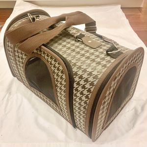Travel Small Dog / Puppy / Cat / Kitten Carrier Kennel Bag for Sale in Irvine, CA